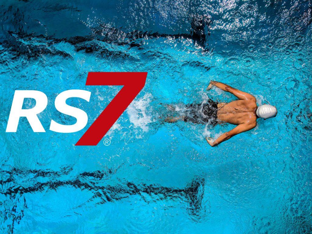 natacion beneficia articulaciones
